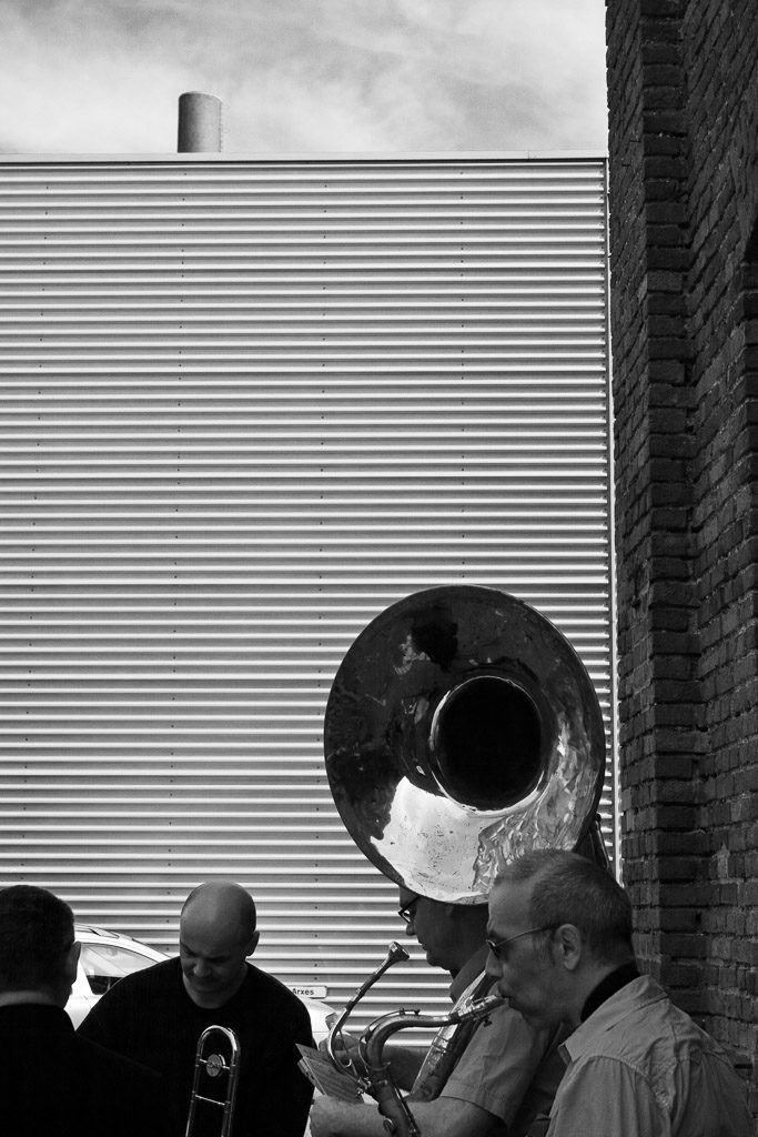 2007, DE, DE-NW, K, NRW, achim fink, b&w, bernd winterschladen, black and white, blech, blechbläser, brass, bw, cologne, deutschland, ereignisse, events, fotografie, germany, instrument, instrumente, instruments, jazz, köln, music, musician, musicians, musik, musiker, mülheim, mülklangheim, nicolao valiensi, nordrhein-westfalen, northrhine-westfalia, photography, schanzenstr, schwarzweiß, sousaphon, sousaphone, stadtbezirk 9 - mülheim, sw, talking horns, world