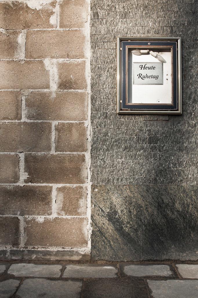 DE, DE-NW, K, NRW, barmer viertel, buildings, cologne, deutschland, deutz, deutz-mülheimer-str, gebäude, germany, haus, house, houses, häuser, innenstadt, inner city, köln, mauer, mauern, no33, nordrhein-westfalen, northrhine-westfalia, schild, schilder, sign, signs, stadtbezirk 1 - innenstadt, wall, walled up, walls, wand, world, wände, zugemauert