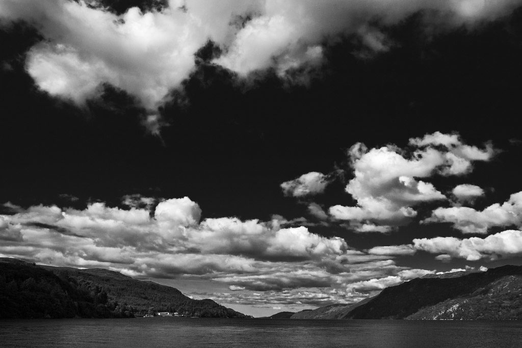 GB, SCO, SCT, UK, b&w, black and white, blau, blue, bw, caledonian canal, clouds, color, colors, farbe, farben, favs-mj, fort augustus, fotografie, great britain, highland, himmel, inverness-shire, jahreszeit, jahreszeiten, landscape, landschaft, loch ness, photography, reise, schottland, schwarzweiß, scotland, scotland2007, season, seasons, sky, sommer, summer, sw, travel, united kingdom, week1-brodie, wolken, world