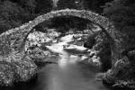 GB, SCO, SCT, UK, b&w, black and white, bridge, bridges, brücke, brücken, bw, carrbridge, dulnain, favs-sb, filter, filter-nd1000, fließendes wasser, flowing water, fluss, flüsse, fotografie, great britain, highland, inverness-shire, jahreszeit, jahreszeiten, old packhorse bridge, photography, phototech, reise, river, rivers, rural, schottland, schwarzweiß, scotland, scotland2007, season, seasons, sommer, summer, sw, travel, united kingdom, wasser, water, week1-brodie, world