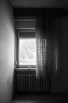 DE, DE-NW, K, NRW, b&w, barracks, black and white, buildings, butzweilerhof, bw, cologne, curtains, decay, derelict, deutschland, dinge, fenster, fotografie, gebäude, germany, heating, innenraum, innenräume, interior, kaserne, köln, mauer, mauern, nordrhein-westfalen, northrhine-westfalia, ossendorf, photography, schwarzweiß, stadtbezirk 4 - ehrenfeld, städtisch, städtischer verfall, sw, things, urban, urban decay, verfall, verkommen, vorhänge, wall, walls, wand, windows, world, wände