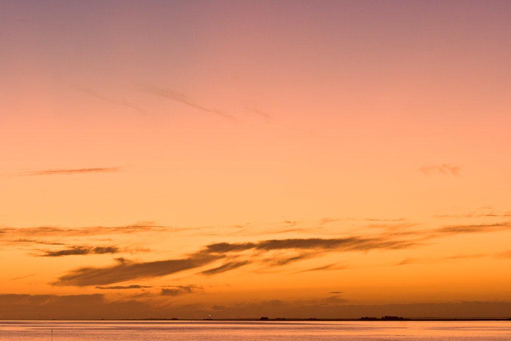 DE, DE-SH, NF, SH, clouds, color, colors, deutschland, farbe, farben, germany, gröde, gröde2008, hallig, hallig gröde, hallig langeneß, halligen, himmel, holm, langeneß, lila, meer, nordfriesland, north frisia, orange, purple, reise, schleswig-holstein, sea, seascape, see, sky, sonne, sonnenuntergang, sun, sunset, travel, violett, wasser, water, wolken, world