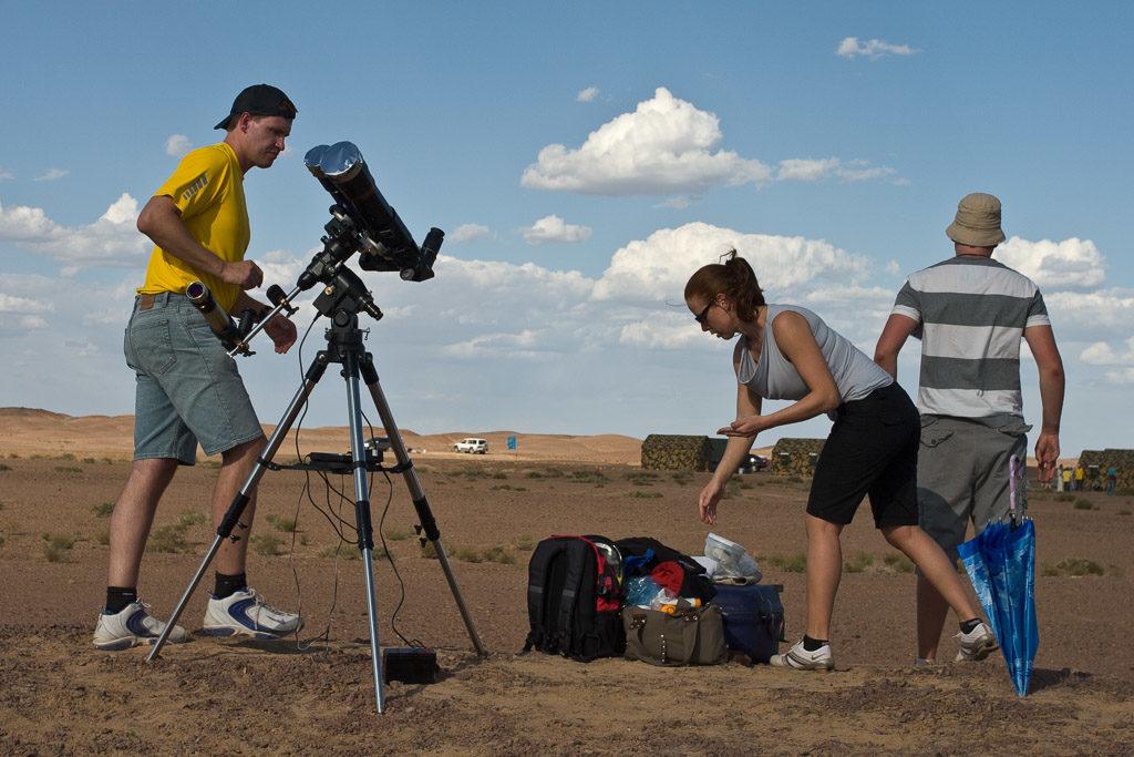 2008, CN, astrofotografie, astronomie, astronomy, astrophotography, badanjilin sand desert, badanjilin sandwüste, china, china2008, desert, eclipse, eclipse city camp, ereignisse, events, finsternis, freunde, friends, gansu, jinta, jinta xian, leute, menschen, people, reise, solar eclipse, solar-eclipse-2008-08-01, solar-eclipse-2008-aug-01, sonnenfinsternis, tourist, touristen, tourists, travel, world, wüste, zhongguo, 中国, 中國, 甘肃, 金塔县