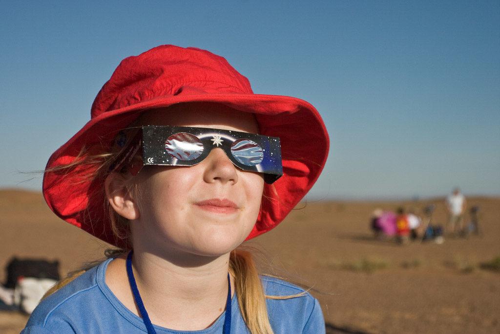 2008, CN, astrofotografie, astronomie, astronomy, astrophotography, badanjilin sand desert, badanjilin sandwüste, büter, china, china2008, desert, eclipse, eclipse city camp, ereignisse, events, familie, family, finsternis, gansu, jenny, jenny büter, jinta, jinta xian, leute, menschen, people, reise, solar eclipse, solar-eclipse-2008-08-01, solar-eclipse-2008-aug-01, sonnenfinsternis, tourist, touristen, tourists, travel, world, wüste, zhongguo, 中国, 中國, 甘肃, 金塔县