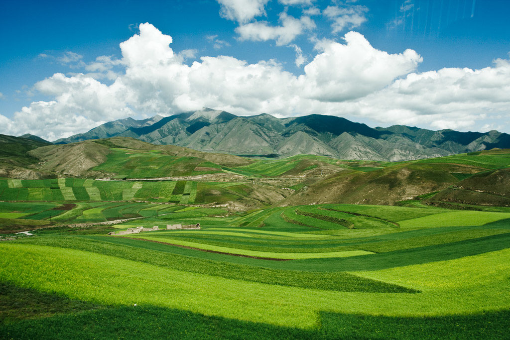 CN, berge, blau, blue, china, china2008, clouds, color, colors, farbe, farben, feld, felder, field, fields, gansu, green, grün, himmel, landscape, landschaft, mountains, on the road, reise, rural, sky, travel, unterwegs, wolken, world, wuwei, zhongguo, 中国, 中國, 武威市, 甘肃