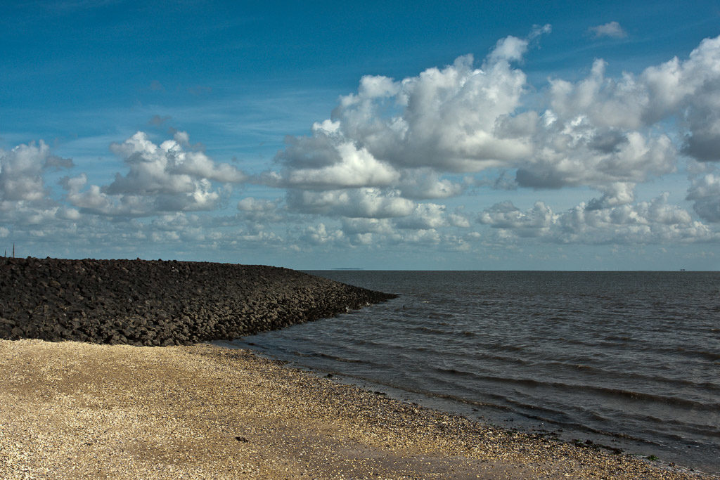 DE, DE-SH, NF, SH, beach, blau, blue, breakwater, clouds, coast, color, colors, deutschland, farbe, farben, germany, groede2009, gröde, hallig, hallig gröde, halligen, himmel, holm, jahreszeit, jahreszeiten, küste, lahnung, maritime, meer, nordfriesland, north frisia, reise, schleswig-holstein, sea, seascape, season, seasons, see, shore, sky, sommer, strand, summer, travel, ufer, wasser, water, wolken, world