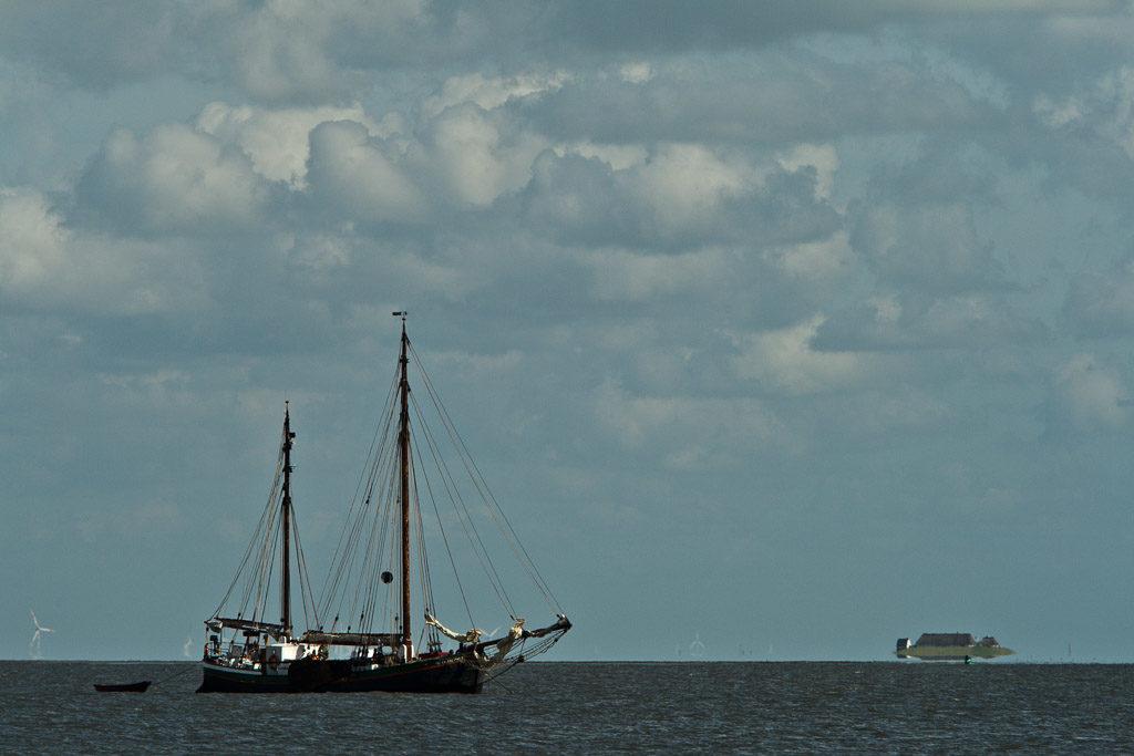 DE, DE-SH, NF, SH, clouds, deutschland, germany, groede2009, gröde, hallig, hallig gröde, halligen, himmel, holm, jahreszeit, jahreszeiten, maritime, meer, nordfriesland, north frisia, reise, sailing, schiff, schiffe, schleswig-holstein, sea, seascape, season, seasons, see, ship, ships, sky, sommer, summer, travel, wasser, water, wolken, world