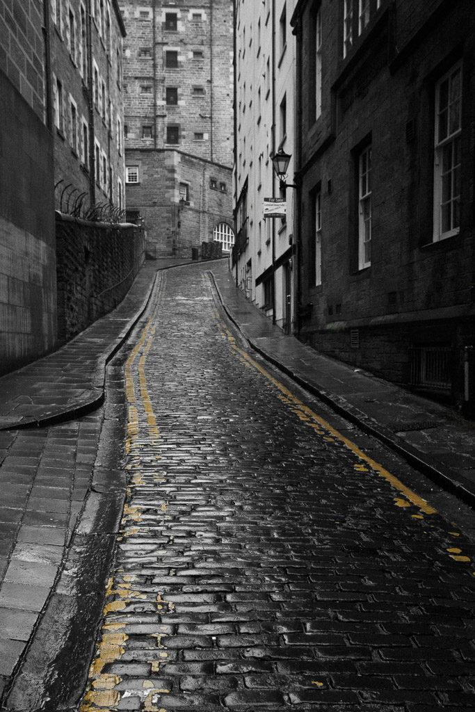 GB, SCO, SCT, UK, cobbled street, cobblestone, edinburgh, great britain, kopfsteinpflaster, lothian, old town, pflaster, rain, regen, reise, schottland, scotland, scotland2010, straße, straßen, street, streets, travel, united kingdom, world