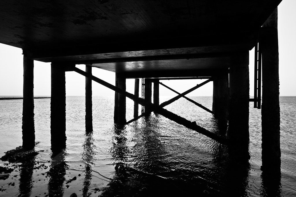 DE, DE-SH, NF, SH, b&w, backlight, black and white, bw, deutschland, fotografie, gegenlicht, germany, groede2011, gröde, hallig, hallig gröde, halligen, holm, licht, light, nordfriesland, north frisia, photography, reise, schleswig-holstein, schwarzweiß, sw, travel, west jetty, westanleger, westbrücke, world