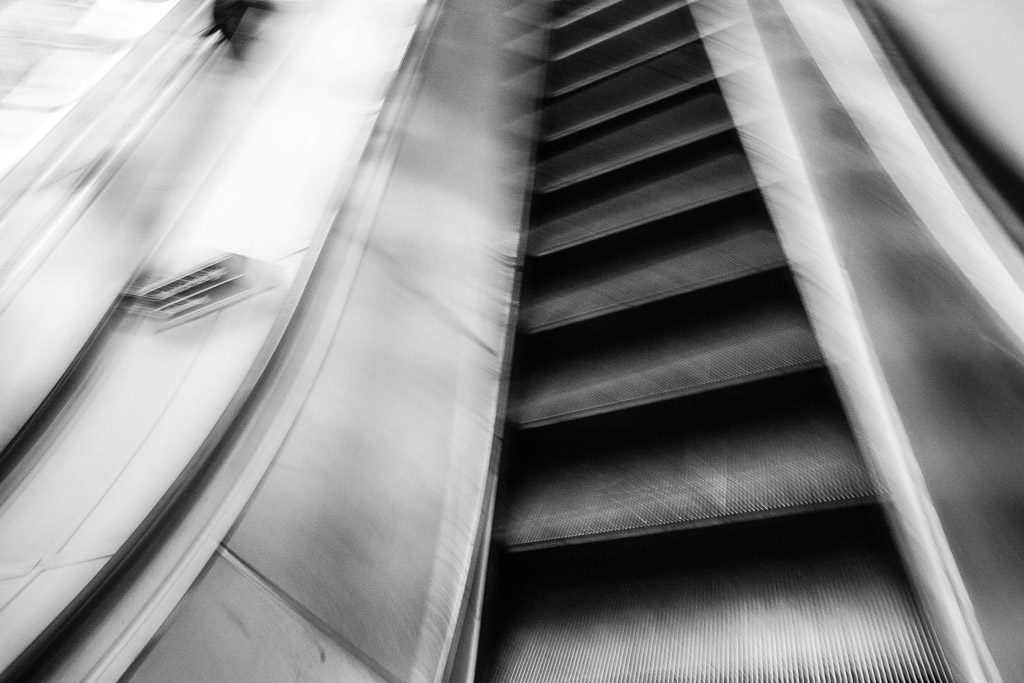 ENG, GB, UK, b&w, black and white, buildings, bw, england, escalator, escalators, fotografie, gebäude, great britain, greater london, london, london underground, photography, piccadilly circus, rolltreppe, rolltreppen, schwarzweiß, sw, transport for london, tube, underground, united kingdom, world