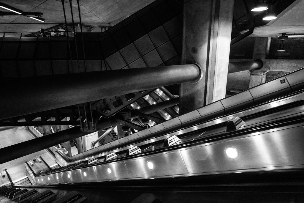 ENG, GB, UK, b&w, black and white, buildings, bw, england, escalator, escalators, fotografie, gebäude, great britain, greater london, london, london underground, metro, photography, public transport, rolltreppe, rolltreppen, schwarzweiß, subway, sw, transport for london, tube, u-bahn, underground, united kingdom, westminster, world, öpnv