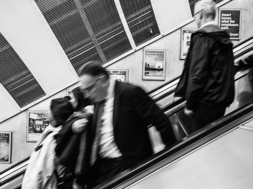 ENG, GB, UK, b&w, black and white, buildings, bw, england, escalator, escalators, fotografie, gebäude, great britain, greater london, leute, london, london underground, marble arch, menschen, people, photography, rolltreppe, rolltreppen, schwarzweiß, sw, transport for london, tube, underground, united kingdom, world