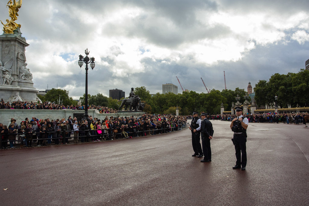 ENG, GB, UK, buckingham palace, change of the guards, city of westminster, england, great britain, greater london, leute, london, menschen, people, police, polizei, tourist, touristen, tourists, united kingdom, world