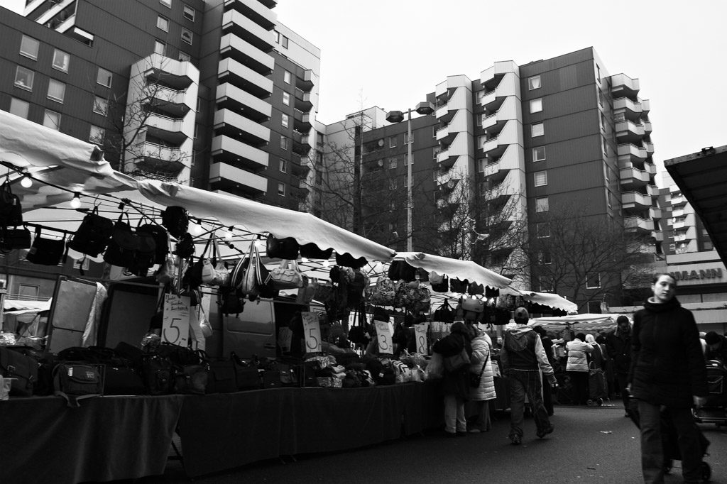 b&w, black and white, buildings, bw, chorweiler, city, cityscape, cologne, fotografie, gebäude, köln, photography, schwarzweiß, stadt, stadtbezirk 6 - chorweiler, stadtbild, stadtlandschaft, straßenfotografie, street photography, städtisch, sw, urban, vhs, workshop