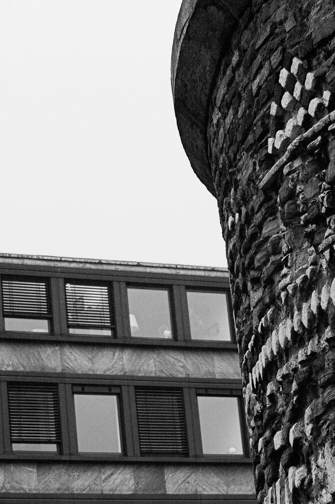 altstadt, b&w, black and white, bw, city, cityscape, cologne, fotografie, innenstadt, inner city, köln, old town, photography, roman, römisch, schwarzweiß, stadt, stadtbezirk 1 - innenstadt, stadtbild, stadtlandschaft, städtisch, sw, urban, vhs, workshop