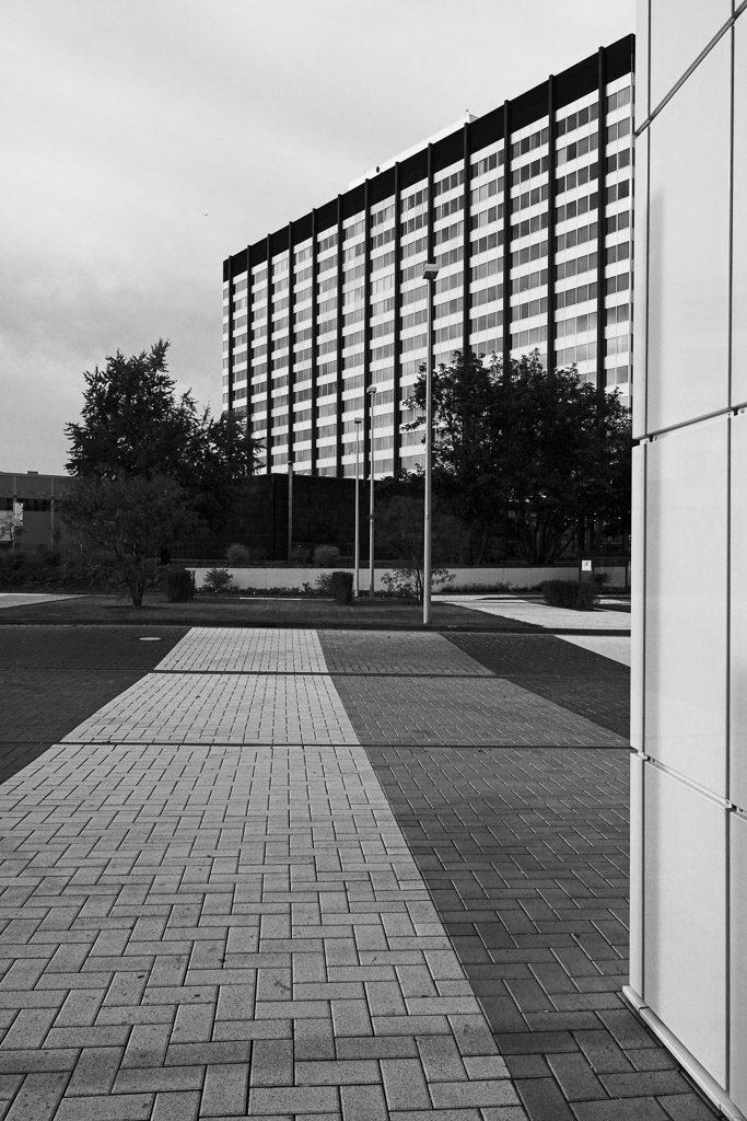 DE, DE-NW, K, NRW, architecture, architektur, b&w, black and white, buildings, bw, city, cityscape, cologne, deutschland, deutz, fotografie, gebäude, germany, innenstadt, inner city, khd, khd high-riser, khd-hochhaus, klöckner-humboldt-deutz, köln, kölnmesse, messe, nordrhein-westfalen, northrhine-westfalia, photography, schwarzweiß, stadt, stadtbezirk 1 - innenstadt, stadtbild, stadtlandschaft, städtisch, sw, urban, vhs, workshop, world
