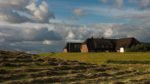 DE, DE-SH, NF, SH, buildings, clouds, deutschland, gebäude, germany, gröde, hallig, hallig gröde, halligen, haus, himmel, holm, house, houses, häuser, jahreszeit, jahreszeiten, landscape, landschaft, natur, nature, nordfriesland, nordsee, north frisia, north sea, reise, rural, schleswig-holstein, season, seasons, sky, sommer, summer, travel, wadden sea, warft, wattenmeer, wolken, world