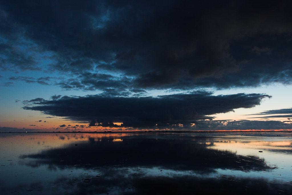 DE, DE-SH, NF, SH, clouds, deutschland, ebbe, germany, gröde, hallig, hallig gröde, halligen, himmel, holm, jahreszeit, jahreszeiten, landscape, landschaft, low tide, meer, mudflat, natur, nature, niedrigwasser, nordfriesland, nordsee, north frisia, north sea, reise, rural, sandbank, schleswig-holstein, sea, seascape, season, seasons, see, sky, sommer, sonne, sonnenuntergang, summer, sun, sunset, tidal flat, travel, wadden sea, wasser, water, watt, wattenmeer, wolken, world