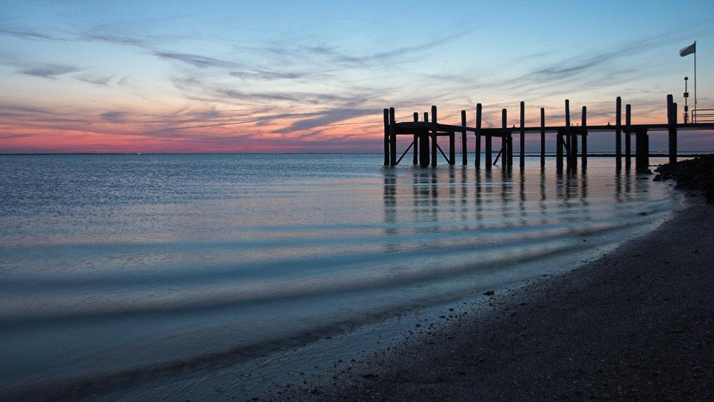 DE, DE-SH, NF, SH, blaue stunde, blue hour, deutschland, germany, gröde, hallig, hallig gröde, halligen, holm, jahreszeit, jahreszeiten, jetty, landscape, landschaft, licht, light, maritime, meer, natur, nature, nordfriesland, nordsee, north frisia, north sea, reise, rural, schleswig-holstein, sea, seascape, season, seasons, see, sommer, sonne, sonnenuntergang, summer, sun, sunset, travel, wadden sea, wasser, water, wattenmeer, world