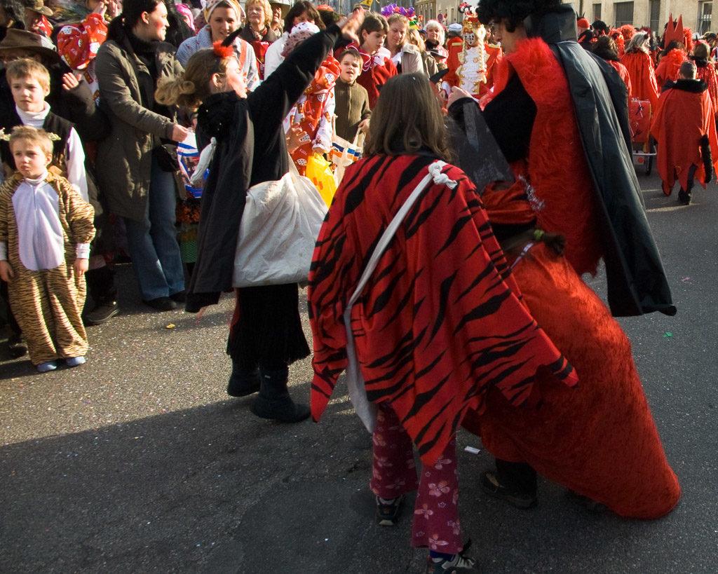 2007, DE, DE-NW, K, NRW, carnival, cologne, dellbrück, deutschland, ereignisse, events, fastelovend, fastnacht, germany, karneval, köln, leute, menschen, nordrhein-westfalen, northrhine-westfalia, people, stadtbezirk 9 - mülheim, städtisch, urban, veilchendienstag, world
