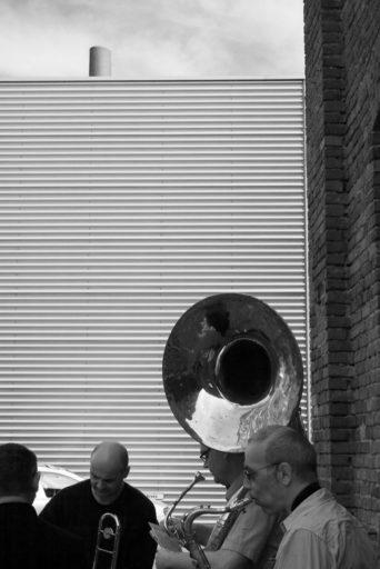 2007, DE, DE-NW, K, NRW, achim fink, b&w, bernd winterschladen, black and white, blech, blechbläser, brass, bw, cologne, deutschland, ereignisse, events, fotografie, germany, instrument, instrumente, instruments, jazz, köln, music, musician, musicians, musik, musiker, mülheim, mülklangheim, nicolao valiensi, nordrhein-westfalen, northrhine-westfalia, photography, schanzenstr, schwarzweiß, sousaphon, sousaphone, stadtbezirk 9 - mülheim, sw, talking horns, world